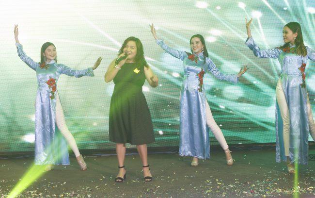 Lâm Thúy Ái – ca sĩ không chuyên, bà chủ doanh nghiệp ngàn tỷ và cũng là đối tác quan trọng của FSmart 5 năm qua.