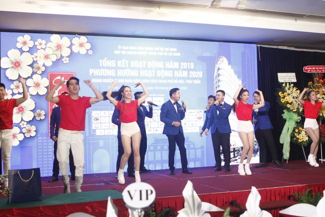 Chương trình văn nghệ chào mừng với các tiết mục đoạt giải tại Liên hoan tiếng hát Doanh nghiệp TP.HCM năm 2019.