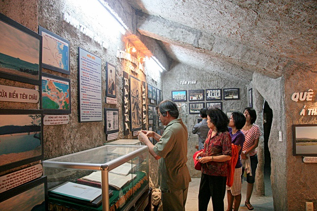 Trong nhà nguyện Thánh An-rê Phú Yên.