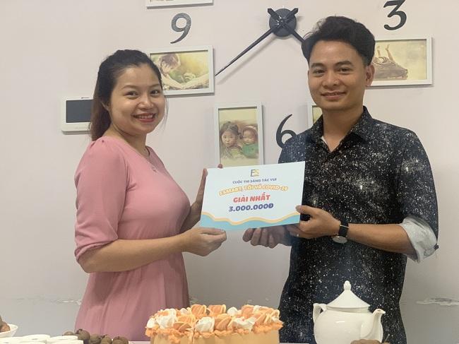 Giám khảo Mỹ Nguyễn trao giải nhất chung cuộc