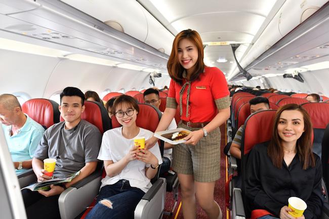 Nhiều du khách Việt Nam tận dụng các chuyến bay giá rẻ để đi du lịch nước ngoài